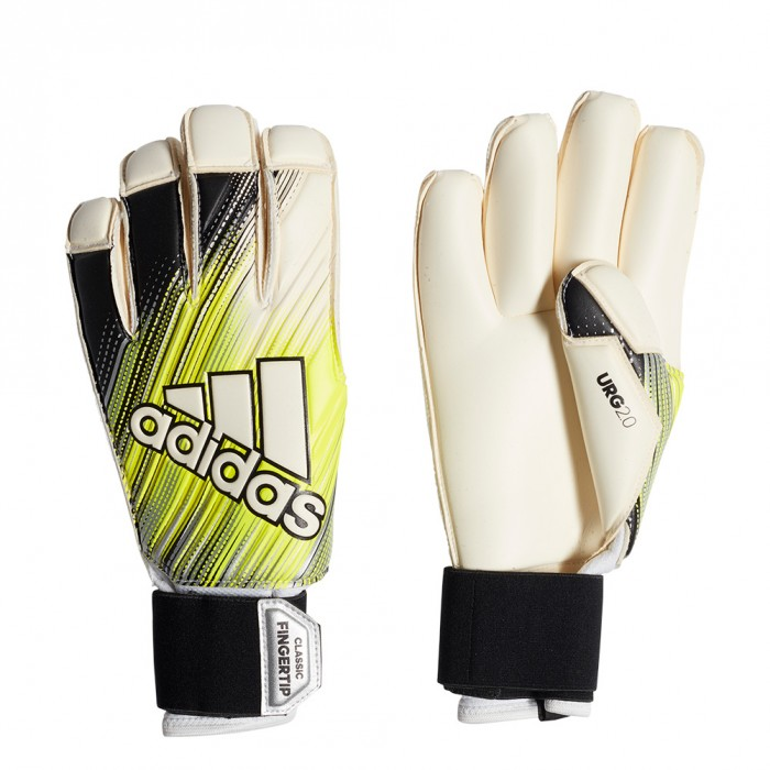 DY2618 adidas CLASSIC PRO FINGERTIP Goalkeeper Gloves