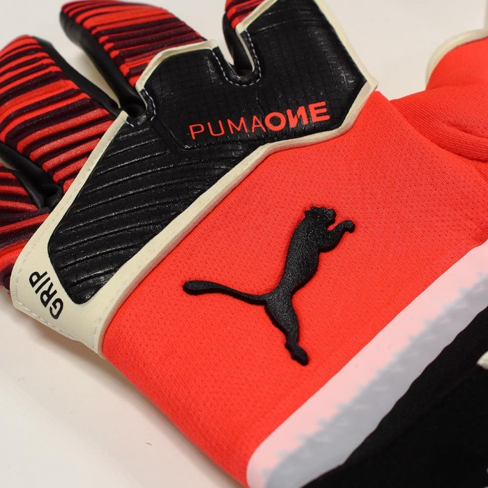 Puma ONE GRIP 1 HYBRID PRO Goalkeeper Gloves