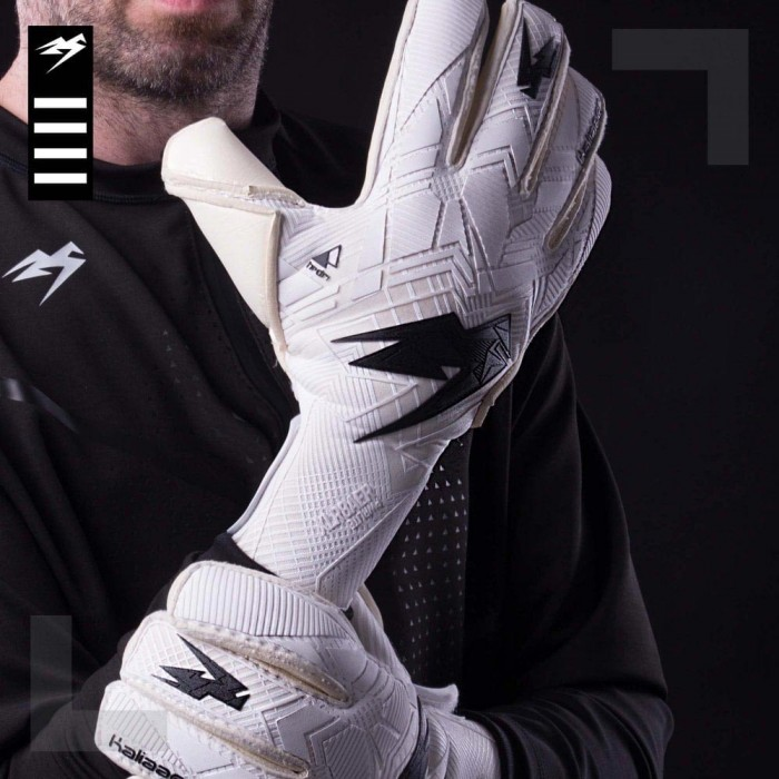 Kaliaaer XLR8AER PWRLITE Roll Junior Goalkeeper Gloves