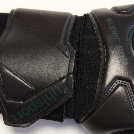 1011082032018 UHLSPORT SUPERSOFT HN Goalkeeper Gloves